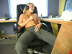 Solo fucking session during the office..