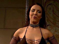 Maria Bellucci licks a big dildo..
