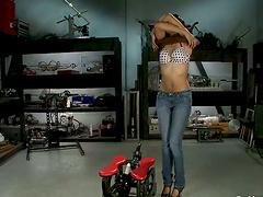Exotic babe Yasmine De Leon is..