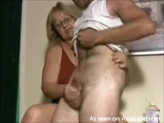 Old lady gives hell of a handjob