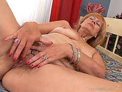 Hot Mature Amateur Gets Nailed