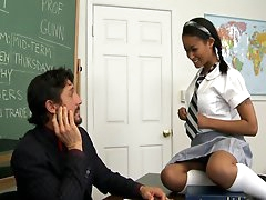 Tommy Gunn fucks with schoolgirl Skin..
