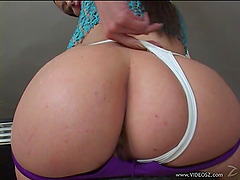 Luxurious PAWG Kelly Divine gets her..