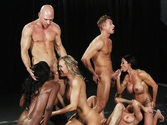 Muscular women model and fuck in orgy
