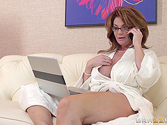 Busty cougar Deauxma gets hammered..