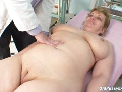 Precious mature pussy is hot
