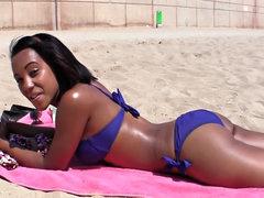 Bikini girl big cock hardcore sex