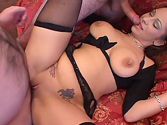 Splendid Leah Lexington Gets Fucked In..