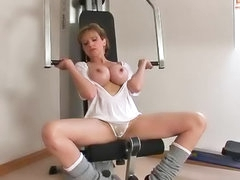 Hot milf masturbated during work out