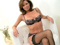 Cocksucking milf beauty Veronica Avluv