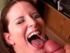 Erotic BJ and a big messy facial