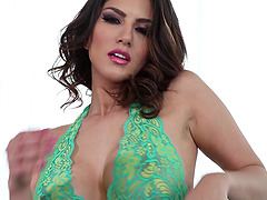 Sunny Leone plays with her awesome..