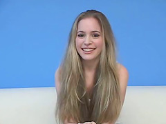 Teen Cutie on Her Knees Giving a..