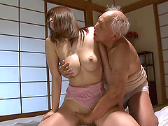 Kaede Niiyamam is fucked silly by a..