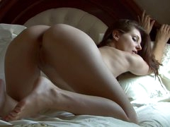 Her wondrous big naturals are out