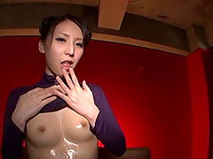 Yuuki Itano oils her pussy and stuffs..