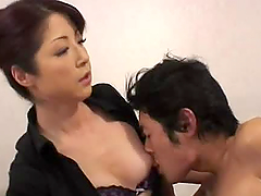Japanese mature woman gives nasty..