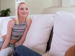 KInky blonde Sammi Daniels enjoys it..