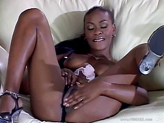Ebony Babe Masturbating With Her Cunt..