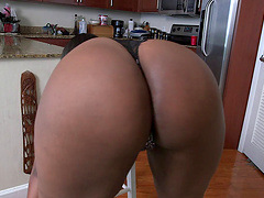 Layla Monroe shows her huge black..