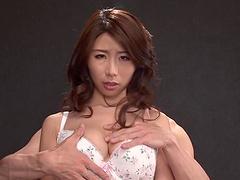 Ayumi Shinoda oils her natural boobs..