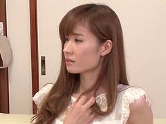 Long-haired Asian Yuna Hayashi gets..