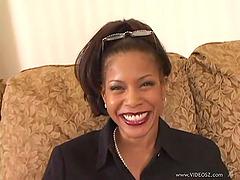 Mature ebony Semmie De Suora rides a..