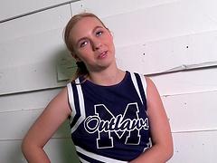 Pretty white cheerleader gets a facial..
