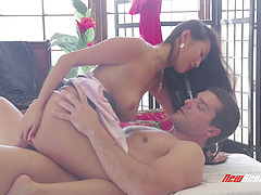 Brunette babe Sharon Lee blows and..