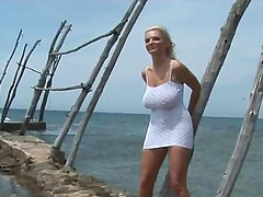Curvy blonde Ines Cudna shows her..