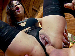 Kristall Rush gets face-fucked and..