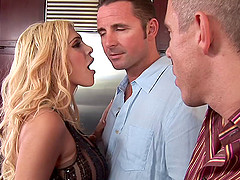 Carmel Moore DP banged and gets jizzed..
