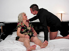 A BBW granny cums as a younger guy..