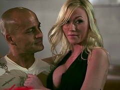 Jesse Jane and Madison Scott lick each..