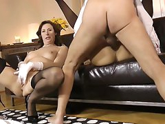 Young gal joins her mom in hardcore