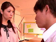 Sexy Asian teacher Hina Akiyoshi gets..