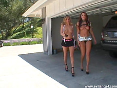 Mini-skirt clad cougar with petite..