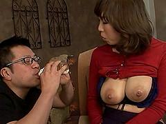 Milk fetish gentleman sucking his babe..