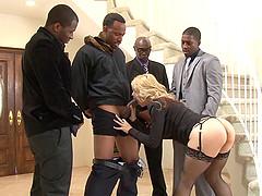 Blonde babe Sarah Vandella receives a..