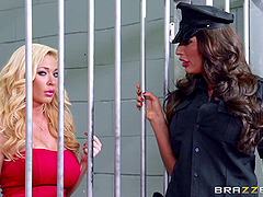 Jail bird and the guard get fucked by..
