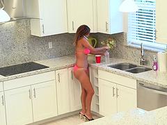 Dazzling milf in bikini getting her..