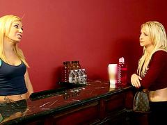 Celebrity lookalike blonde lesbians..