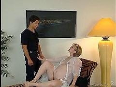 Beefy young stud fucks a pregnant..