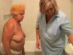 OldNanny Hot amateur mature showers..