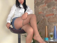 Mini-skirt clad Italian teen shows off..