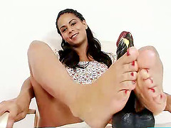 Mind-blowing latina Lexi bare feet..
