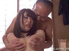 Asian amateur moans while getting her..
