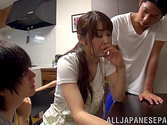 Mature Japanese amateur enjoys a wild..