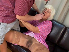 Horny granny gets her hairy pussy..