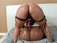 Bubble butt ebony sluts having fun..